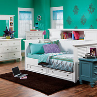 Belmar White  7 Pc Daybed Bedroom