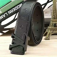 LV Louis Vuitton embossed logo belt smooth buckle belt