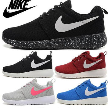 Nike Roshlis Training Shoes