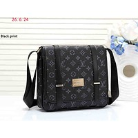 LV street fashion men's and women's versatile shoulder bag Messenger bag Black print