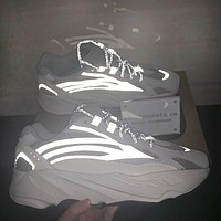 Adidas Yeezy 700 Fashion new runner boost fashion women men running casual sport shoes