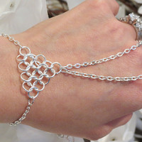 Slave Bracelet, Bracelet Ring, Chainmail, Chainmaille, Triangle, Hand Chain, Hand Jewelry, Silver plated, Silver toned, Bracelet, Ring, Size