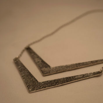 Trendy Geometric Oxidized Silver Tone Metal Pendant Necklace