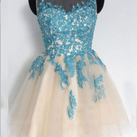 Strapless A-line Scoop Short Tulle Homecoming Dress