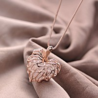 Hollow Love Foliage Necklace