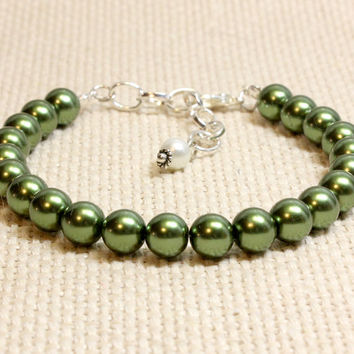 Large Green Pearl Dog Cat Collar. Unusual Pet Jewelry for Kitten or Puppy. Glass Pearl Beads with Optional Magnetic Clasp For Safety Collar