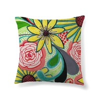 Bold blossoms Throw Pillow