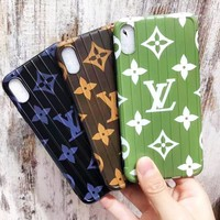 Louis vuitton fashion casual men and women mobile phone case hot selling soft shell curved printed mobile phone Iphone case