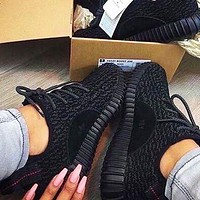 Adidas Yeezy 350 V2 hot seller of stylish knitted black sneakers for men and women