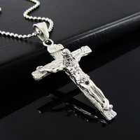 Stainless Steel Jesus Christ Crucifix Cross Mens Pendant Necklace (Silver Color)