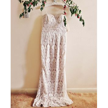 Lace Mermaid Maxi Dress