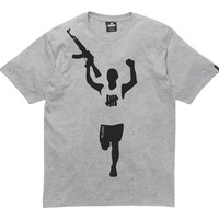 UNDEFEATED VICTORY GUN TEE   Undefeated