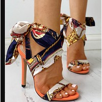The new style of high-heeled sandals is a hit shoes