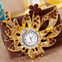 Eye Catching Jewelry Fashion Wristwatch for Ladies in Lightbrown