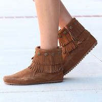 Minnetonka: Double Fringe Side Zip Bootie {Dusty Brown} - Size 5.5