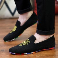 Embroidery Velvet Loafers Men Shoes