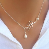 hot sale  new  Fashion Chain  length  about  53cm  Leaves Short Necklace  Elegant   Classical   Silver Plated  Romantic   Pearl Clavicle Chain Charm Jewelery  fashion  Accessories   (With Thanksgiving&Christmas Gift Box) = 1958450628