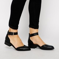 New Look Lucky Heavy 2 Part Flat Shoes