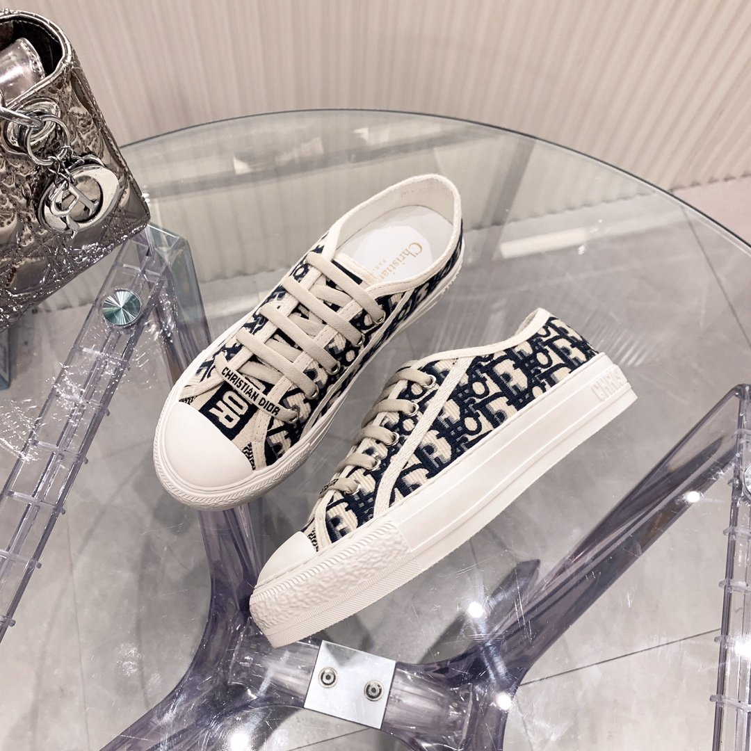 Image of Dior embroidered canvas shoes