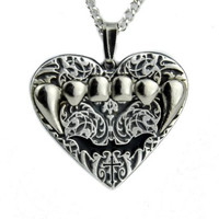 Gothic Bat Vampire Fang Heart Necklace Deadly Twilight Pendant Jewelry