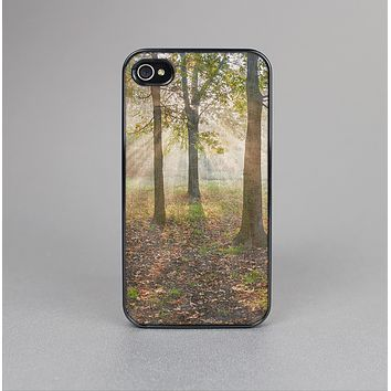 The Vivia Colored Sunny Forrest Skin-Sert Case for the Apple iPhone 4-4s