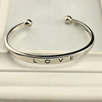 Silver Plated Fashion Womens LOVE Bracelet Jewelry Charm Cuff Bangle