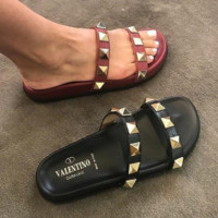 VALENTlNO Rivet slippers in spring and summer