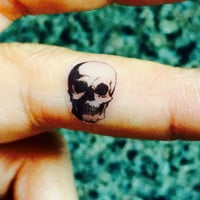 5 Halloween Skull Temporary Tattoo Tiny / Fake Tattoos / Set of 5 / Finger Tattoos