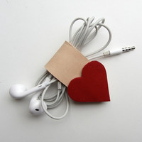 Earbud / earphone / cable organizer in red and nude vegetable tanned bridle  leather