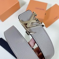 LV Louis Vuitton simple women's lychee pattern smooth buckle