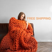 Summer Sale -25% FREE SHIPPING! New version of Ohhio's Grande Punto blankets. Chunky blanket. Giant knit. Cozy throw. 23 microns merino wool