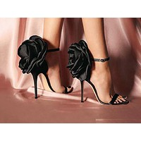Sexy high-heeled sandals with big mouth and big flower buttons