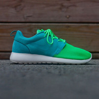 NIKE Roshe Run Vent Pack - Turquoise / Poison Green   Kith NYC