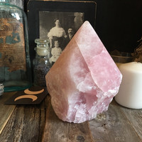 Large Rose Quartz Point / Rose Quartz Crystal / Rose Quartz Healing Crystal / Quartz Standing Point / Mineral Specimen / Crystals and Stones