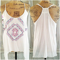 KEEP IT LIGHT TOP IN WHITE
