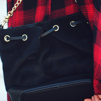 Sneaking Out Purse: Black