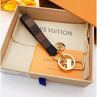 Samplefine2 LV Louis Vuitton Fashion simple print and checkered keychain
