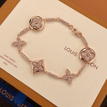 Louis Vuitton LV Woman Fashion Accessories Fine Jewelry Ring & Chain Necklace & Earrings Newest Popular Women Delicate 070127