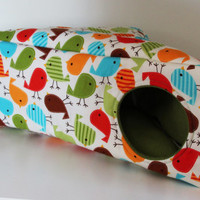 Triangle Guinea Pig Cozy, Hedgie Cube, Reinforced Hedgehog Cosy - Multicolour Birds with Green Fleece