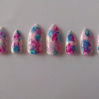 10 press on watercolour/ gold studded accent stiletto nails to fit medium nails beds.