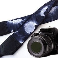 Black & white camera strap.Sunflowers Camera strap.  DSLR / SLR Camera Strap. Camera accessories. Finds / picks for you.