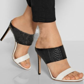 Hot style sells black and white monochrome snake-print high heels