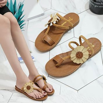 Fashion hot leisure sunflower beach shoes women's shoes tendon sole toe slippers wearing flat sole sandals yellow (sunflower)