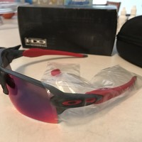 OAKLEY FLAK 2.0XL MENS SUNGLASSES NEW IN BOX