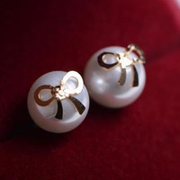Bow On Pearl Fashion Earrings