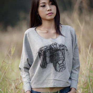 Camera sweater ,Camera sweatshirt , Black Nikon Digital camera Screen Printed on  Bat Style Pullover Half Body In Gray long sleeve t-shirt.