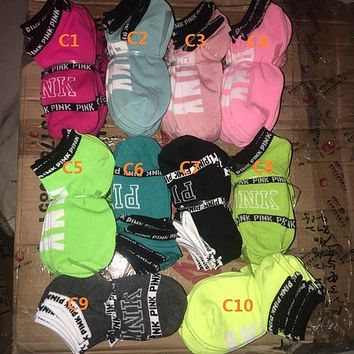 2017 Fashion Lovely Ladies Party Girls Socks contrast colors Harajuku Girls pink One Size Crew Sock VS letter socks calcetines