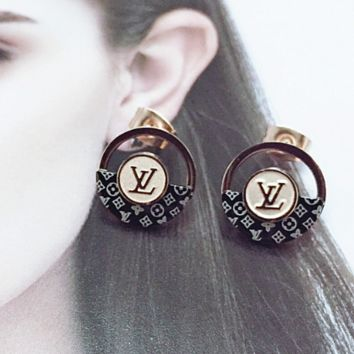 LV CUTE Ear-nail ring letter ear-nail earrings