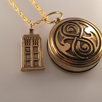 Doctor Who Rassilon Compass, Gold Plate TARDIS Compass Necklace, Compass Necklace, Graduation Gift, Travel Gift
