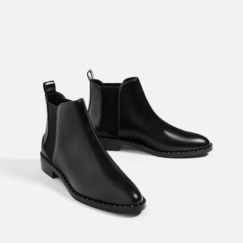 FLAT STUDDED ANKLE BOOTS New